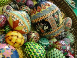 Gambar-Telur-Paskah-Ala-Ukrania-300x225
